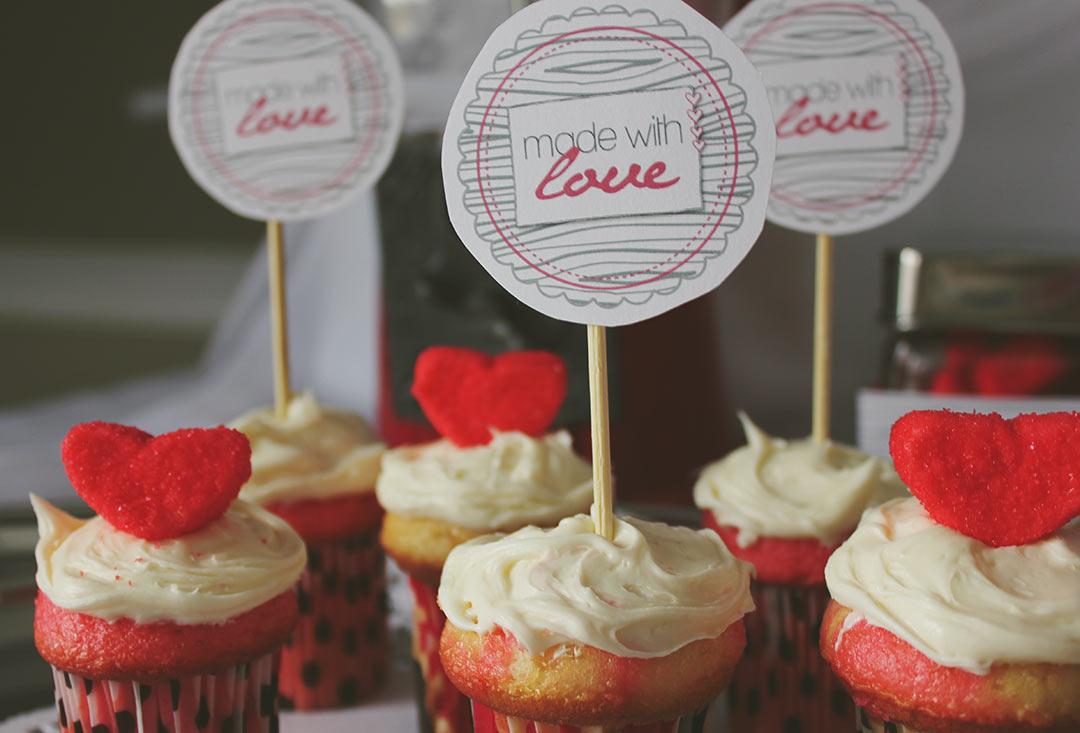 Valentines-Cupcake-Love
