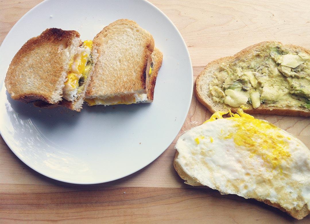 Egg-Avocado-Sandwich