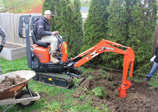 C-Digging-on-Excavator