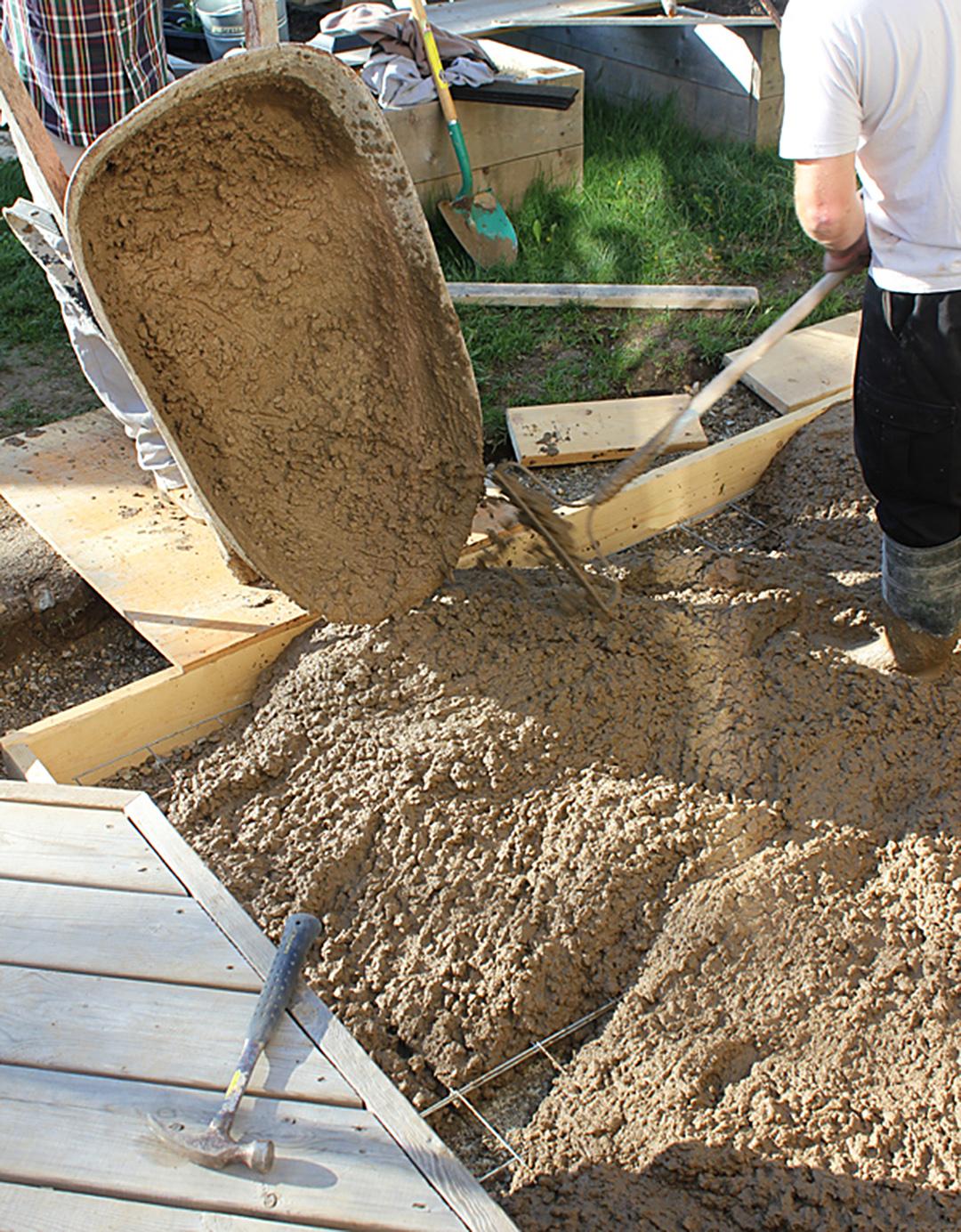 How to Pour a DIY Concrete Patio