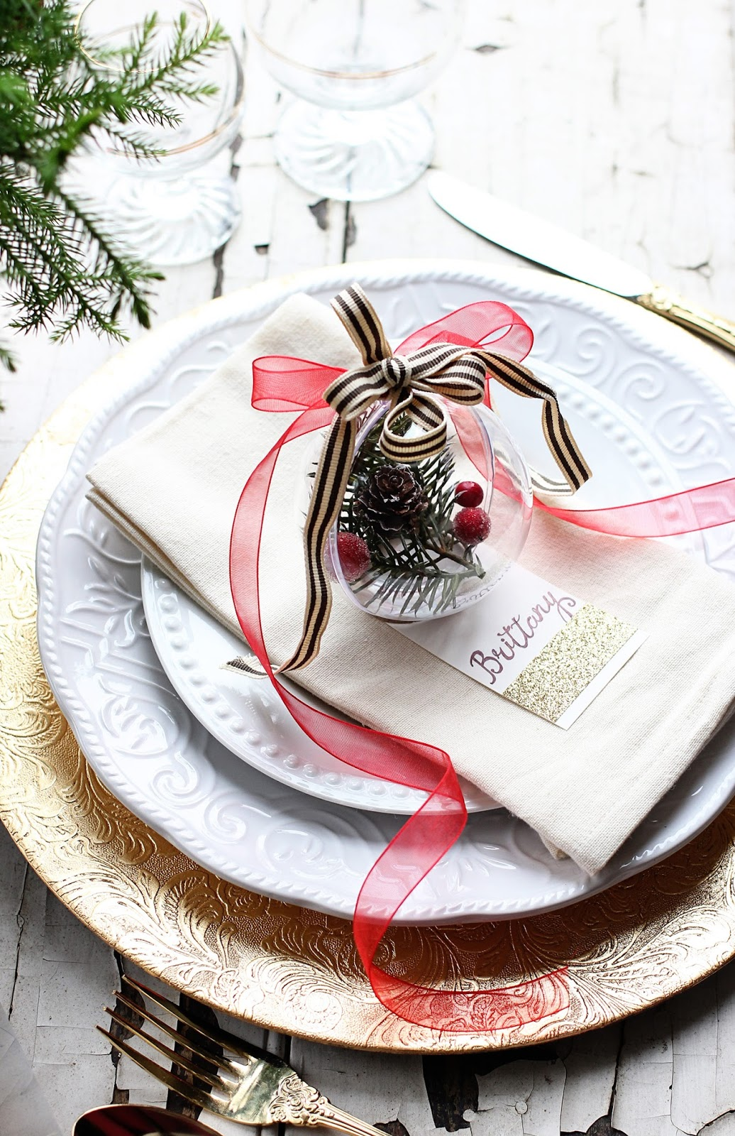 Christmas-Bulb-Favour-Placeholder