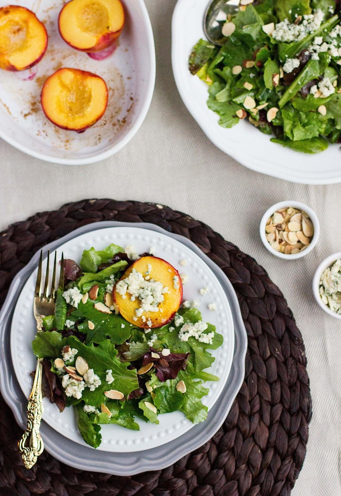 Blue-Cheese-Nectarine-Salad