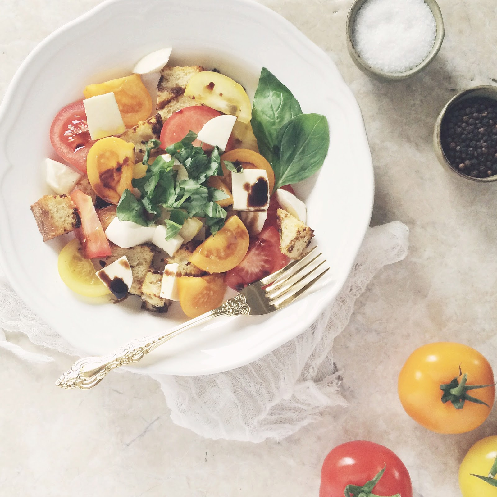 Caprese-Panzanella-Salad