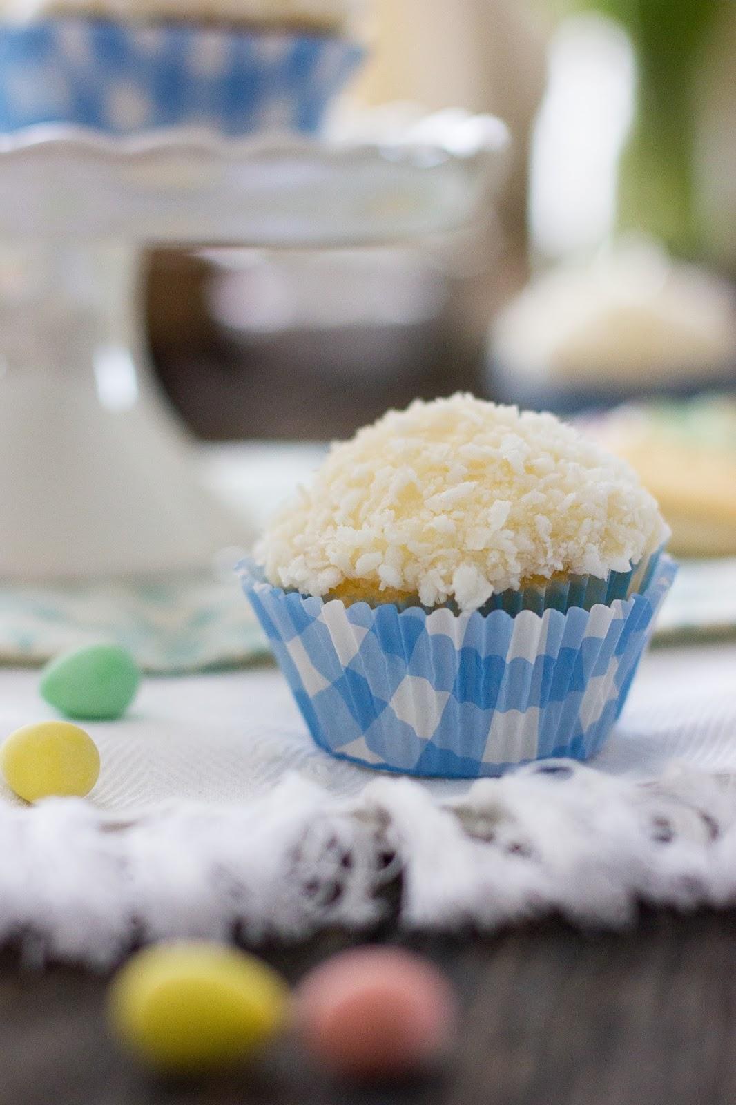 Vanilla-Cupcake-Buttercream-Icing