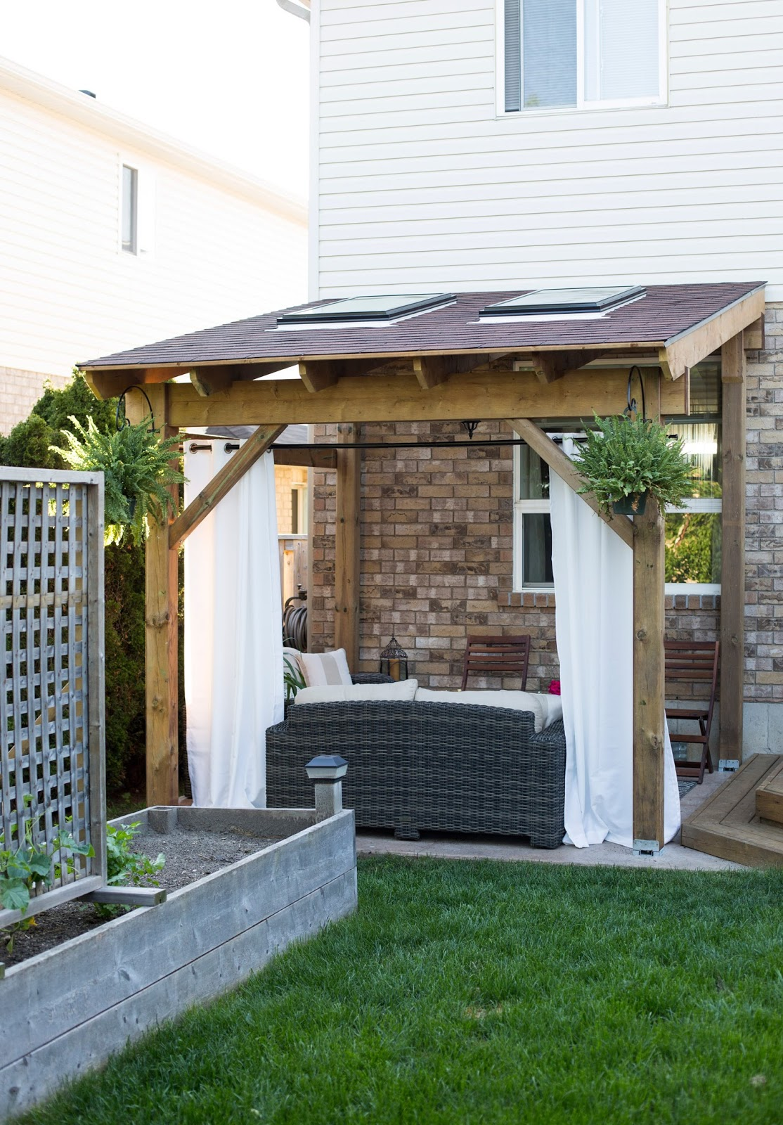 HDBlogSquad // How to Build a Covered Patio - HDBlogSquad // How To Build A Covered Patio • Brittany Stager