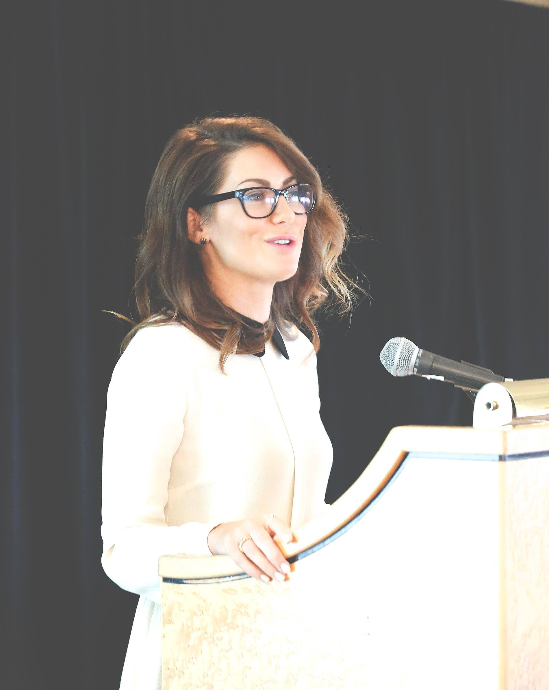 Jillian-Harris-Keynote-BlogPodium