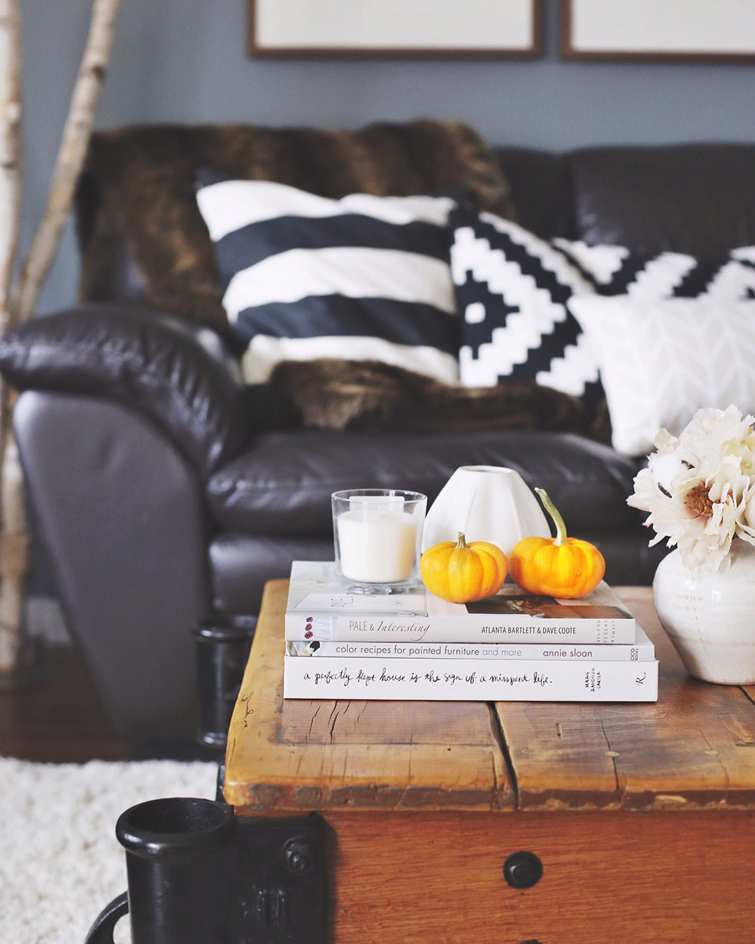 October-Fall-LivingRoom-Decor