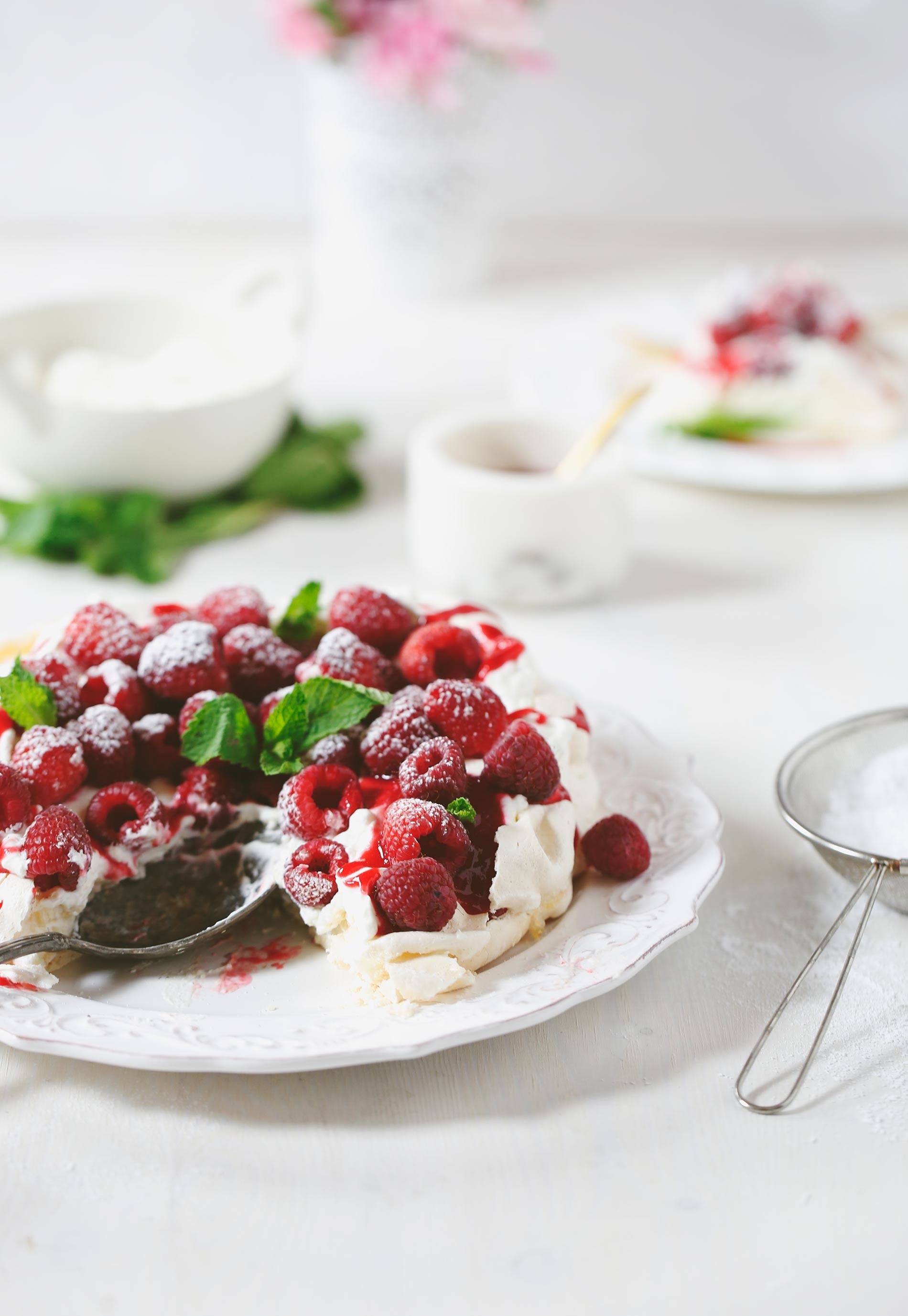 Raspberry-Love-Pavlova