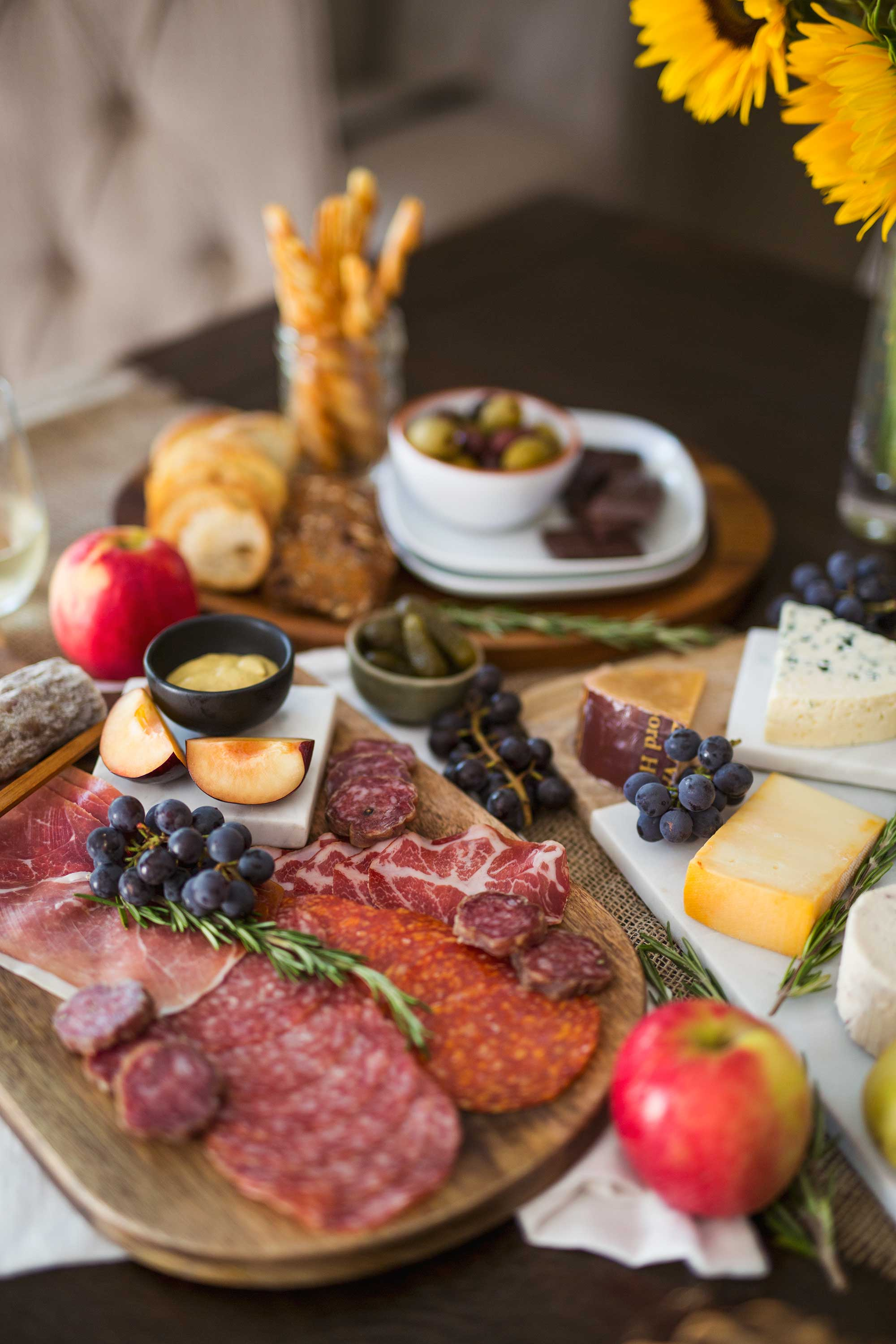 thanksgiving-charcuterie-board-wayfair