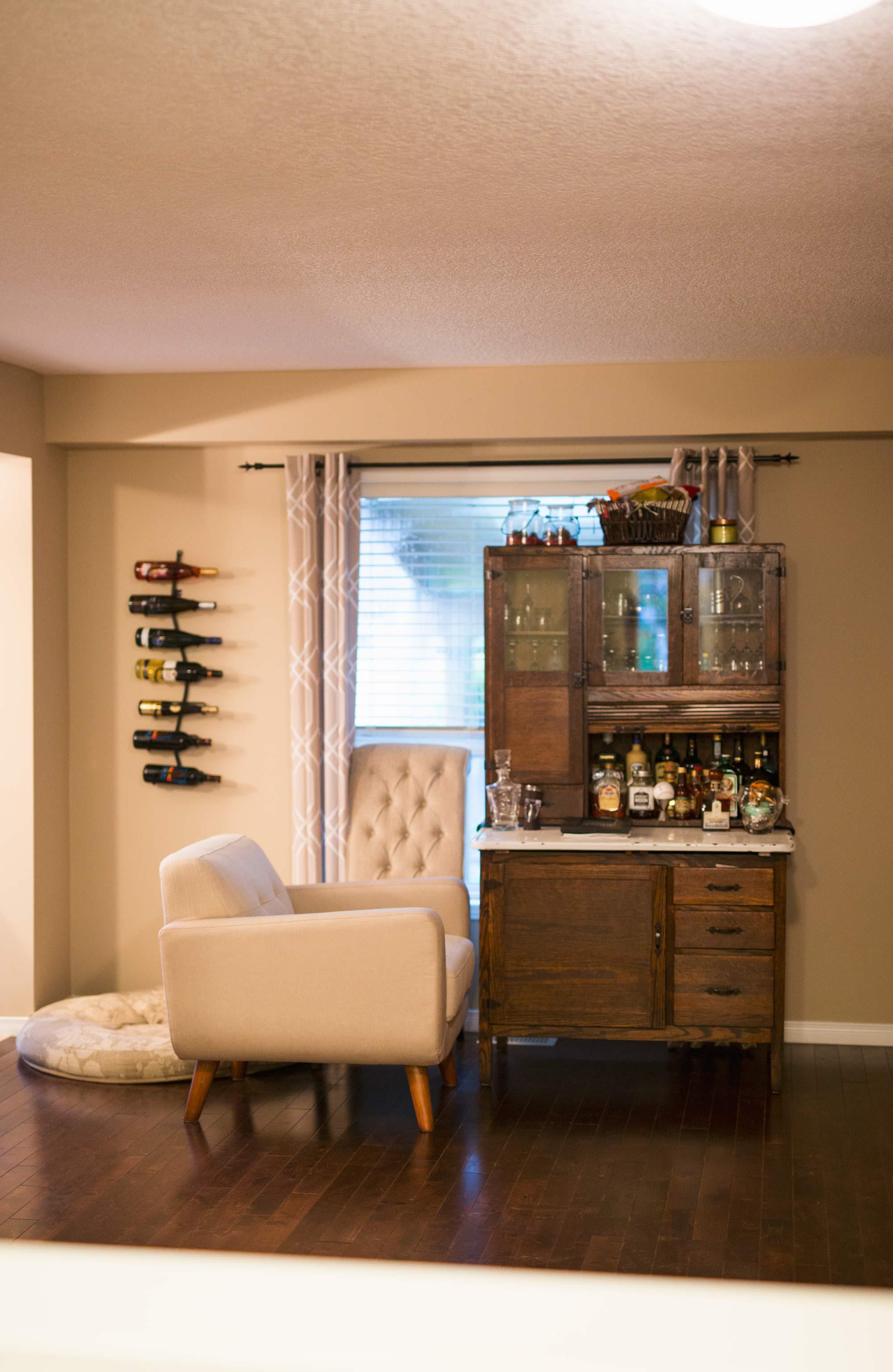 before-dining-room-light-install