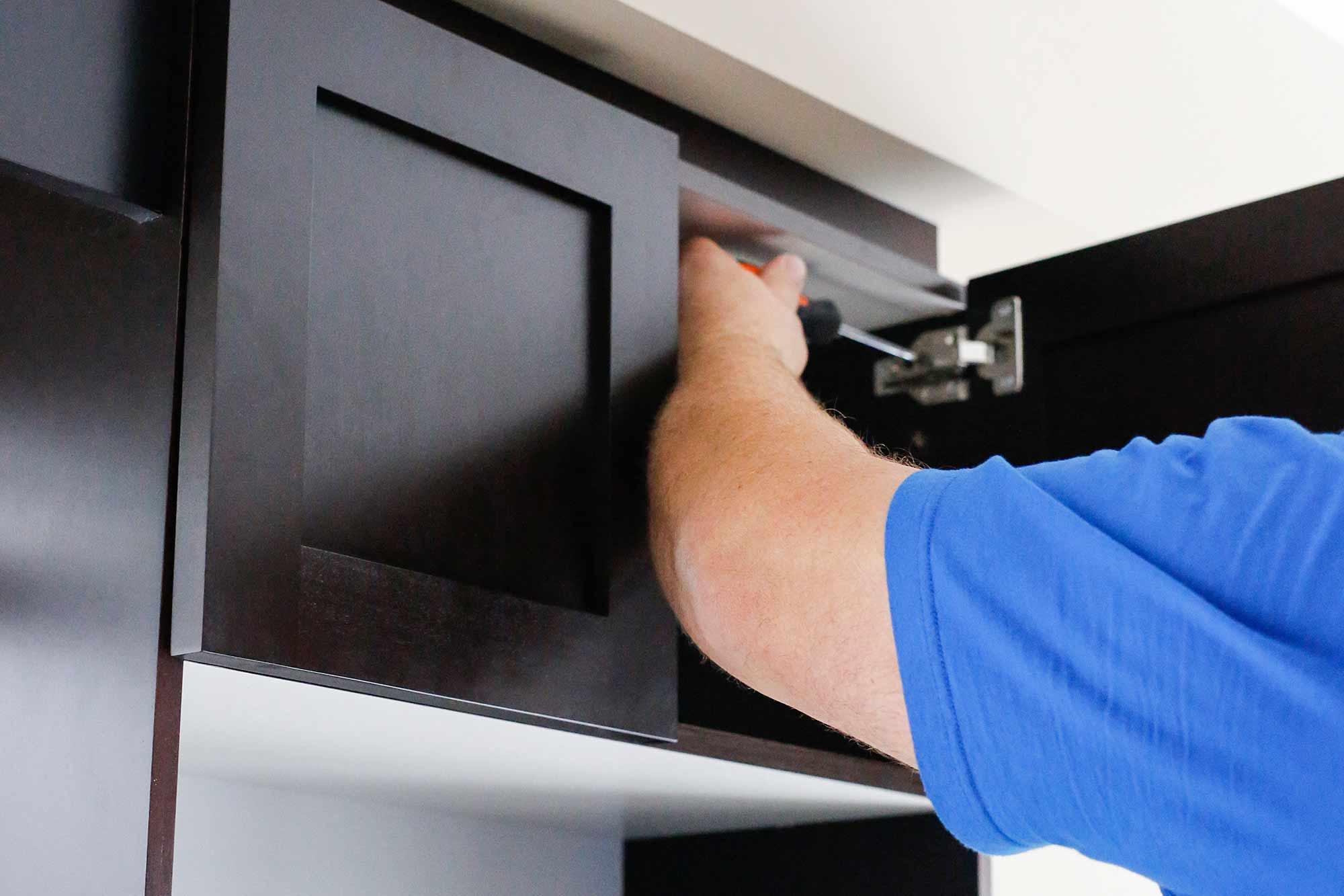 installing-new-cabinet-doors