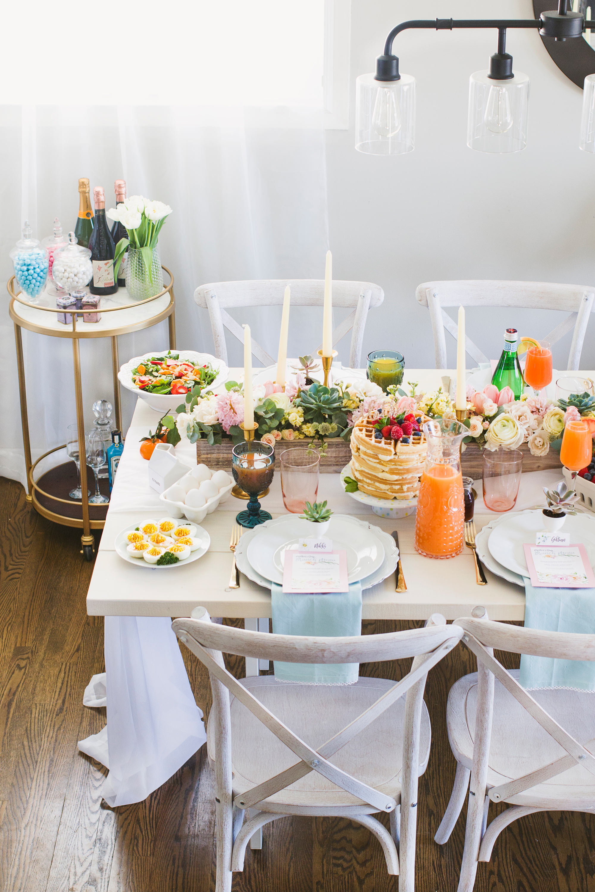 Mother's Day Brunch Tablescape Decor