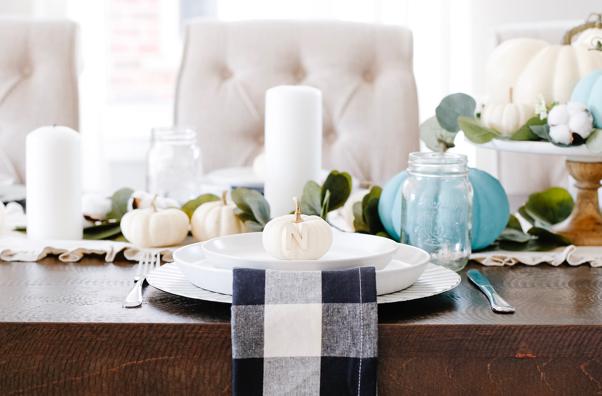 Fall Tablescape Decor for a Modern Farmhouse