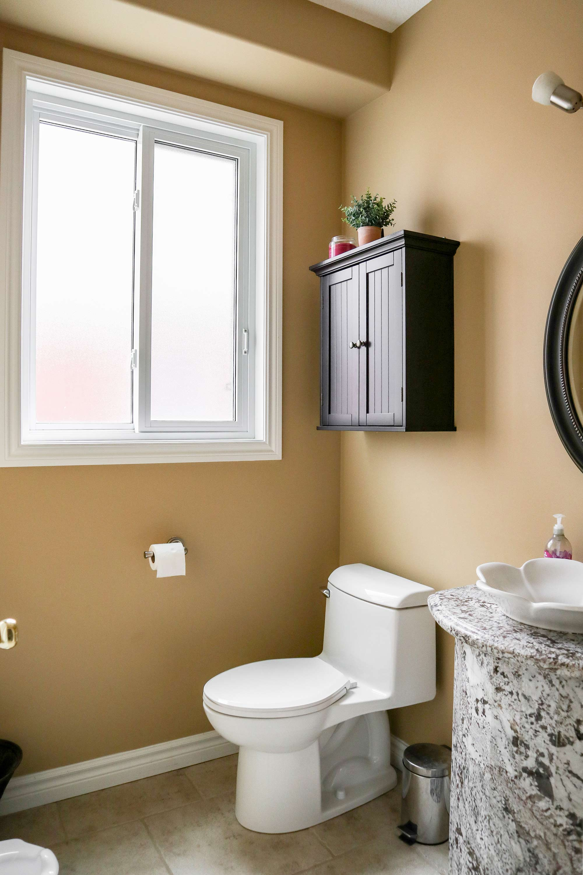 Before and After: A Modern Farmhouse Powder Room Reveal